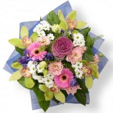 """Букет из орхидей, гербер, хризантем, ирисов, эустом и брасики """"Индиго"""""""