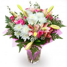 """Букет из роз, лилий, хризантем и гипсофилы """"Признание"""""""