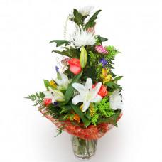 """Букет из лилий, хризантем, раз, альстромерий и сезонных цветов """"Белая Ночь"""""""
