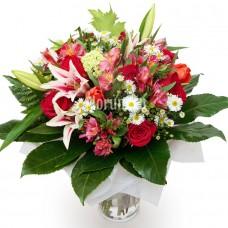 """Букет из лилий, роз и сезонных цветов """"Нангияла"""""""