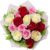 """Букет из красных, белых и розовых роз """"Анахата"""""""