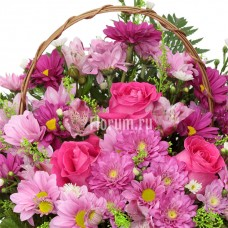 """Корзина из роз, хризантем и статицы """"Гвиневра"""""""