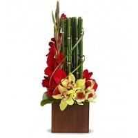 Букет с бамбуком и орхидеями Экзотика