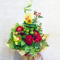 """Бамбук в букете с розами и орхидеями """"Оригинальность"""""""