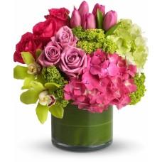 Букет гортензий и тюльпанов с розами