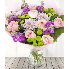 """Букет хризантем и 7 роз """"Феерия"""""""
