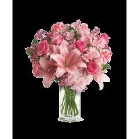 """Букет 7 роз с лилиями и гвоздиками """"Джульетта"""""""