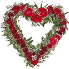 """Цветочное сердце из красных роз """"Цезарь и Клеопатра"""""""