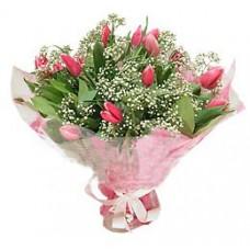 """Букет из 17 розовых тюльпанов с гипсофилой """"Весна"""""""