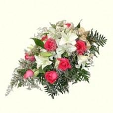 """Букет из роз и лилий """"Любящее сердце"""""""
