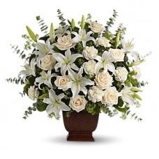 """Букет из белых лилий, роз и гвоздик """"Очарование"""""""