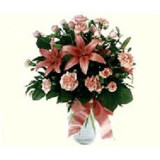 Букет из лилий, роз и гвоздик