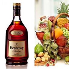 Набор из Коньяка Hennessy VSOP и корзинки продуктов