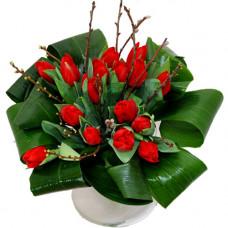 """Букет из 15 красных тюльпанов """"Шик"""""""