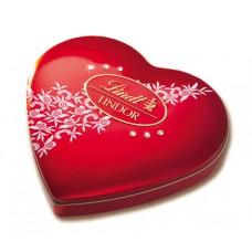 Коробка конфет в форме сердца